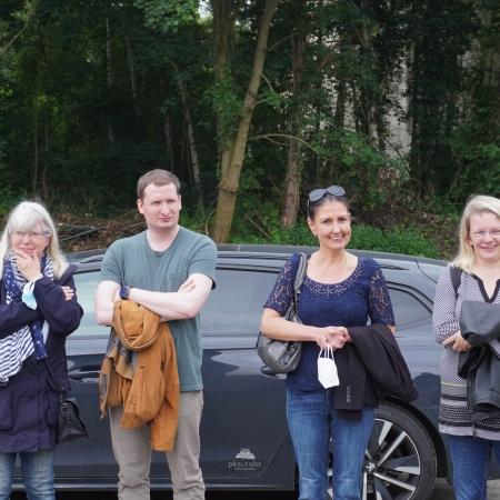 Auf diesem Bild sehen Sie die Ratsmitglieder Annette Becker und Michaela Uhlig sowie die sachkundigen Bürger Dr. Arne Küpper und Ina Polomski-Tölle.