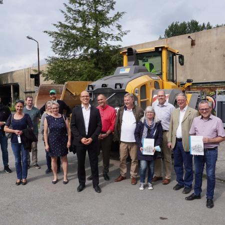 Auf diesem Bilds sehen Sie das Abschlussfoto der Veranstaltung mit allen Beteiligten.